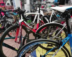 Alex Bikes vous accueille du mardi au samedi en boutique !